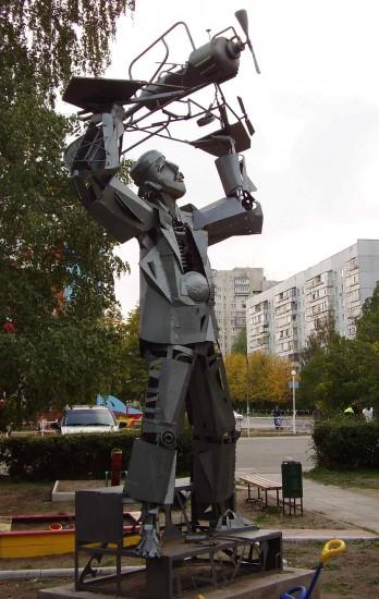 Памятник упадку самолетостроения