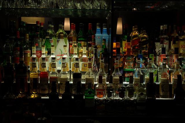 alcohol-857380_640