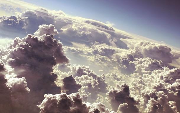 big_3739_oboi_nad_oblakami