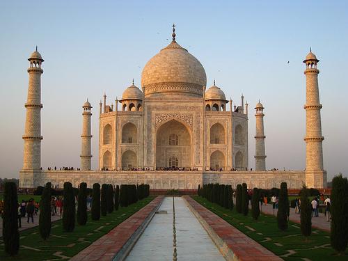 taj-mahal-india_top-places-travel-outside-united-states