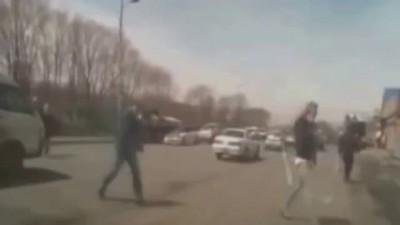 Авария на дороге 2015! Старушка погибла под колесами Камаза ДТП