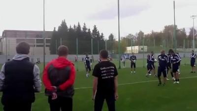 Фанаты Динамо на базе клуба. Разбор полетов с командой.