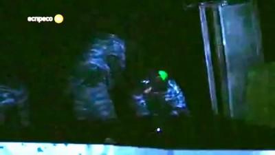 Шок! Беркут ВБИВАЄ мітингувальника на Грушевського - 20.01.2014 (+18)