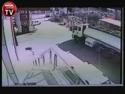 Водитель бензовоза спас автозаправку
