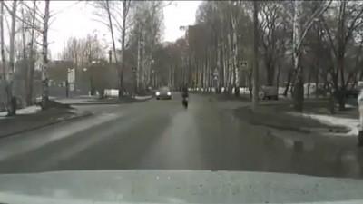 Как правильно переходить дорогу .