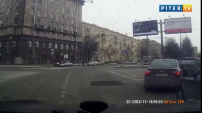 Автоледи сбила двух девушек на переходе и скрылась!