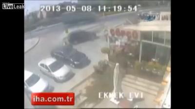 Женщина за рулем не справилась с управлением