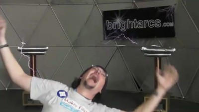 Kinect-Controlled Tesla Coils: The Evil Genius Simulator