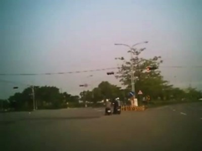 Девушки на скутере попали в ДТП