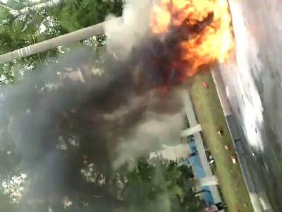 Машина горит(г.Балаково) видео 2