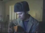 Американец поёт песню Ддт...