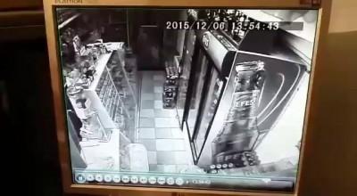 Ограбление магазина yk.kz 2