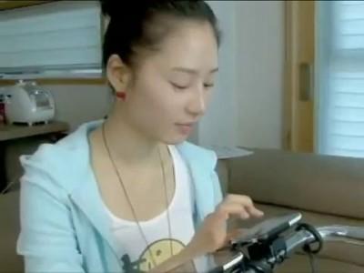 Японка делает бит на iPhone