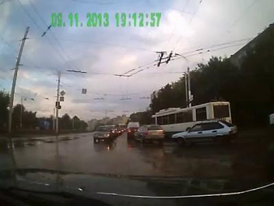 Неадекват на дороге в Уфе