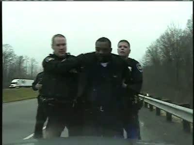 Арестованный грабитель съел улику