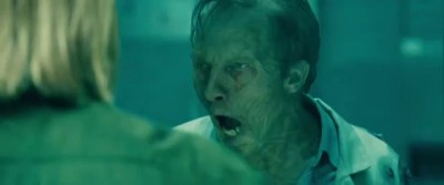 Брэд Питт и милашка зомби доктор. Brad Pitt with cutie zombie doctor.