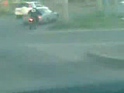 Мотоциклисты жестко мстят водителю!