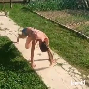 Когда устала работать в саду