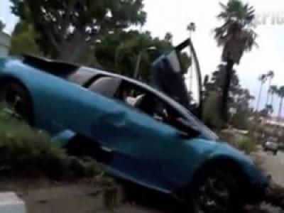 Чел развалил Lamborghini