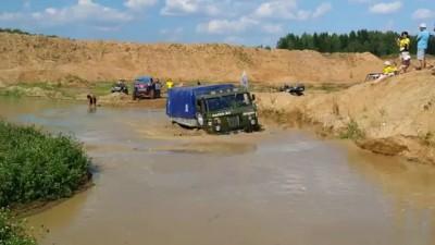 ГАЗ 66 по воде - Дакар отдыхает
