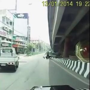 Как в Азии менты мотоциклистов останавливают