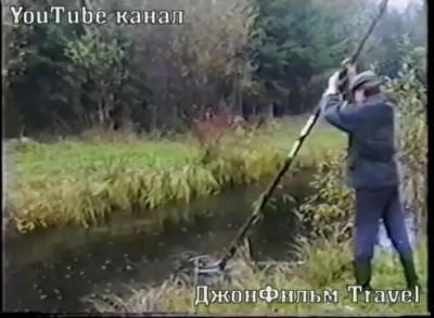 Экстремальный прыжок через речку.ШОК!!!