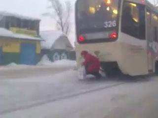 Пенсионеры экономят на проезде