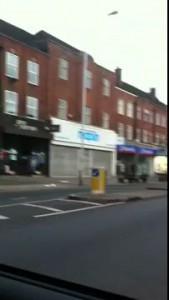Лондон сегодня 6 утра  (Мародеры грабят магазины)