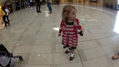Маленькая девочка услышала Азан в Дубаи