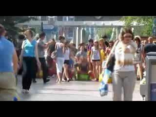 Флешмоб, прыгающие шарики
