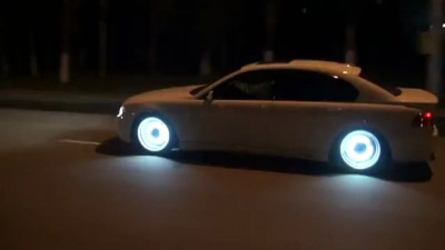 Sick Glow In The Dark Rims On BMW 7 Series!