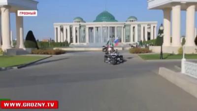 Рамзан Кадыров подарил МАШИНЫ всем участникам Олимпиады из Чечни