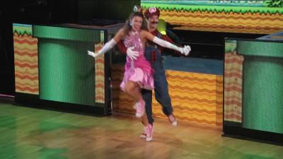 Марио 8 bit!Танцы с Принцессой,Луиджи и Грибом.