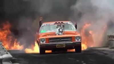 Чумачечий отжиг на Holden V8