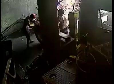 Рвануло колесо в шинке