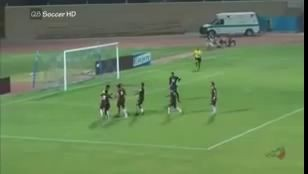 Kuwaiti referee hits player and then red cards him