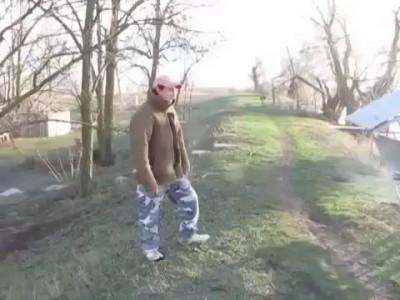 Жесткий прыжок на лед