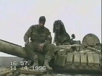 Чечня 1996  подбитый танк