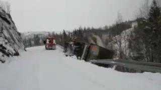 Vogntog tok med seg bergingsbilen -- sjåføren hoppet av i siste liten!