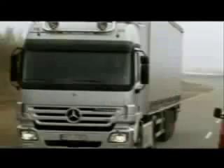 Bremstest PKW - LKW (VW T4 gg. Mercedes Actros)