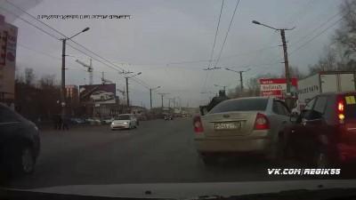 Неловкое ДТП в Омске