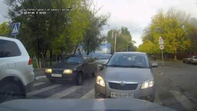 На встречке(ул. Артиллерийская, 25.09.2013)