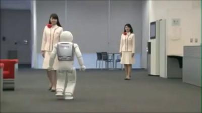 Honda демонстрирует возможности своего робота Asimo. アシモ