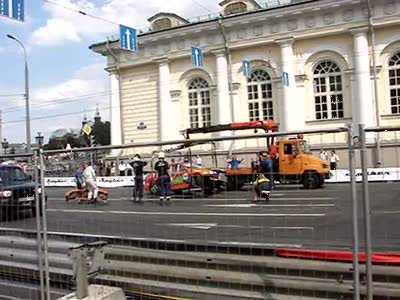 BMCR 2010: towing away of crashed car