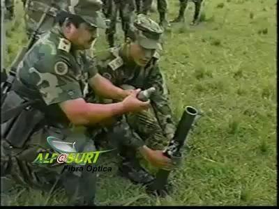 Выстрел из миномета (полет нормальный).flv