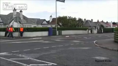 Simon Andrews horrific NW200 crash 2014 [ORIGINAL]
