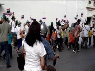 начало Тайской революции 10.11.2013