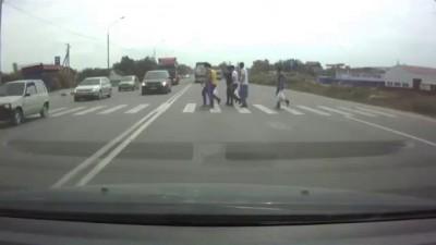 ДТП 30.06.2014 Груженное Volvo протаранило 3 машины