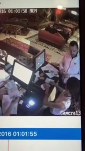 Араб ворует телефон 2016