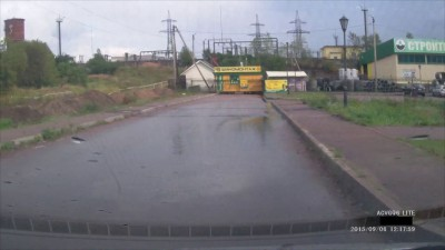 Обгон слева на перекрестке